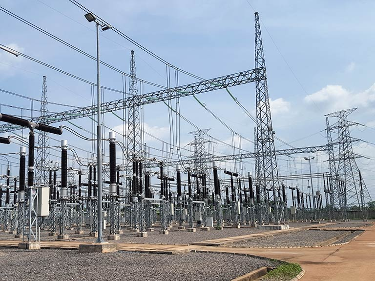 SUBSTATION UGWUAJI 330kV (SWITCHYARD)